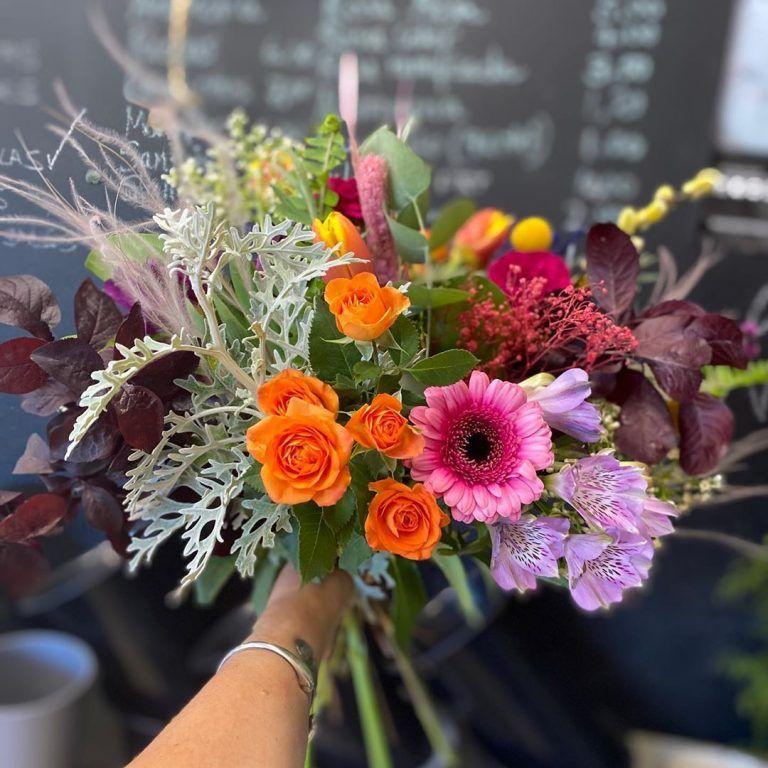 """So many bouquets on this """"Día de la Madre"""""""